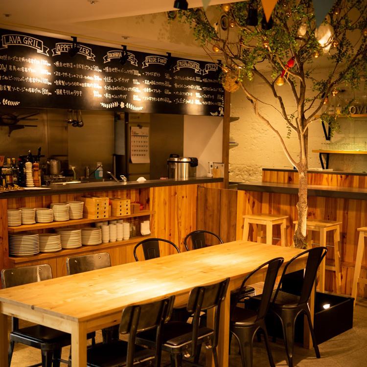 점내 사진 나무와 테이블 석